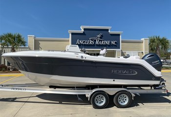 2021 Robalo R222 Shark Gray  Boat