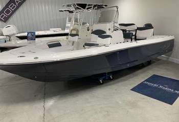 2020 Robalo R226 Cayman Shark Gray #G0257 liquid-unknown-field [type] Boat