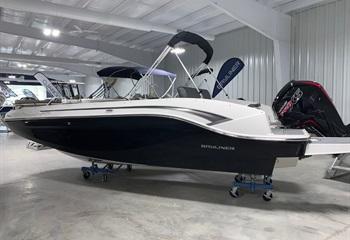 2021 Bayliner DX2000 Black/White Boat