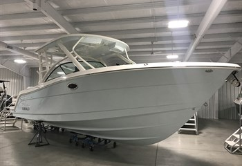 2021 Robalo R317 Ice Blue  Boat