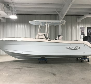 2019 Robalo R242 Explorer Ice Blue New Boat